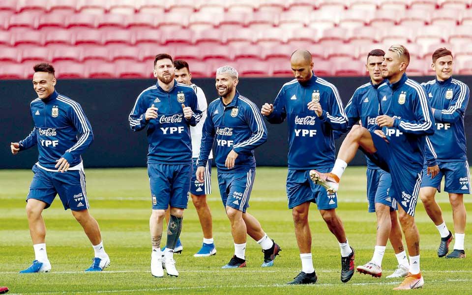 Agüero y Martínez acompañarán a Messi en el ataque de Argentina contra Catar