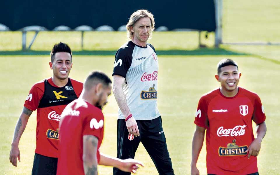 Ante el espanto de la eliminación, Bolivia y Perú prometen cambiar