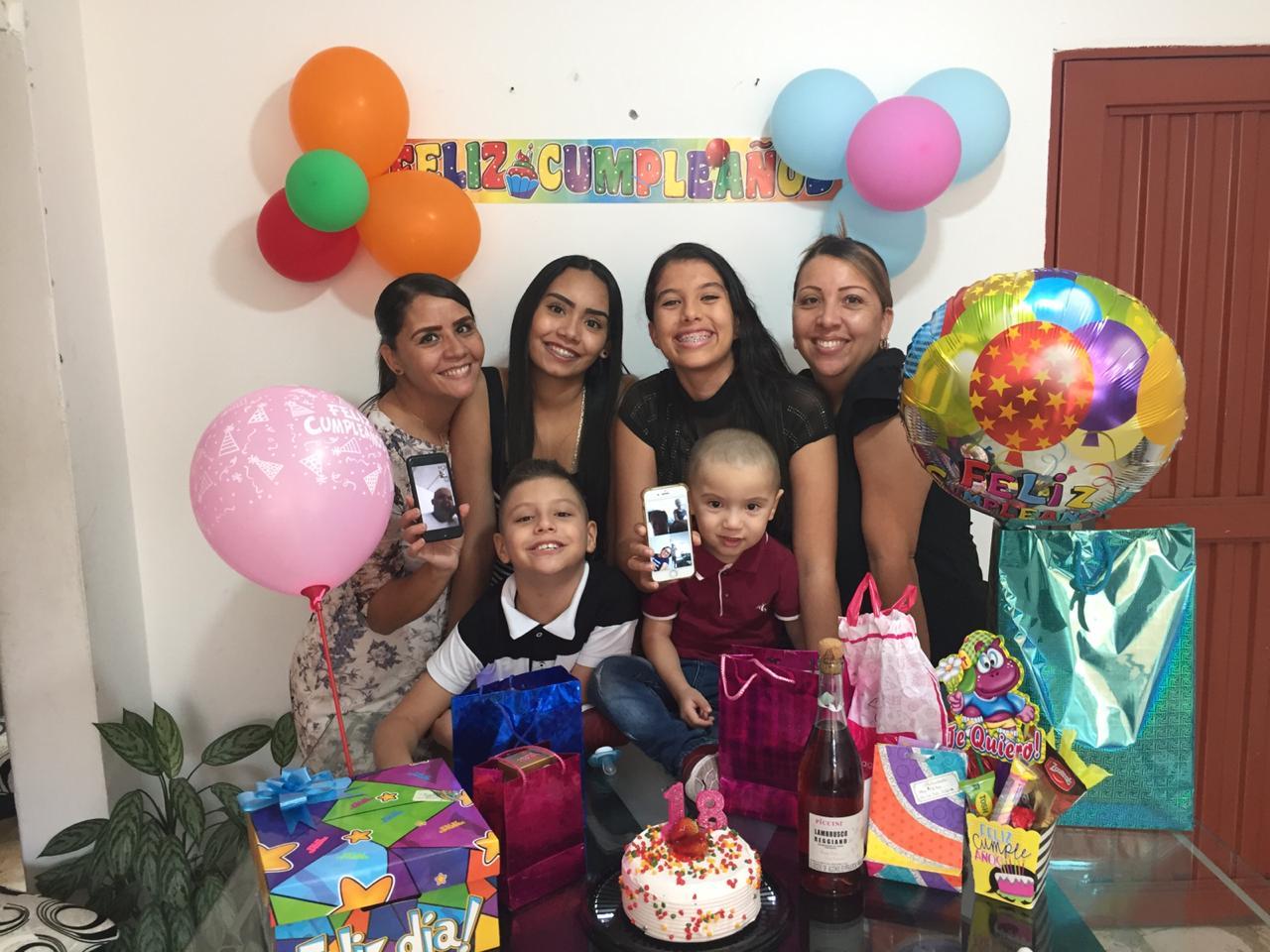 Celebraron sus cumpleaños en casa