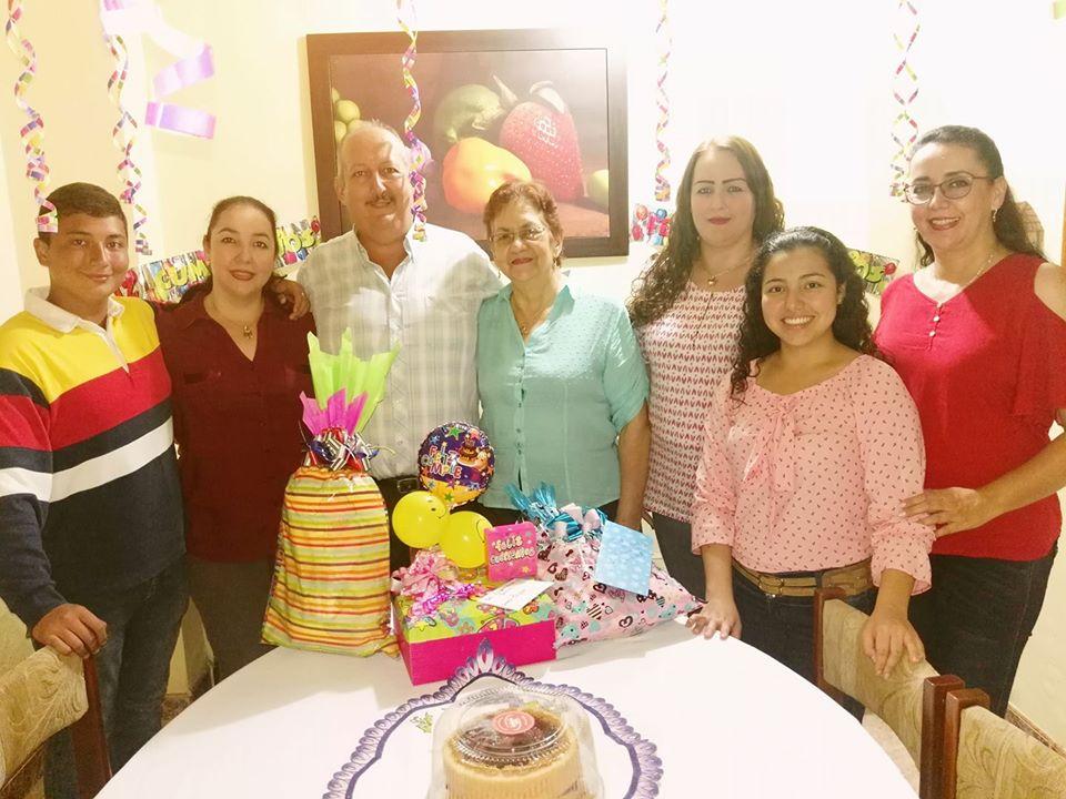 Homenaje en el Día de la Madre