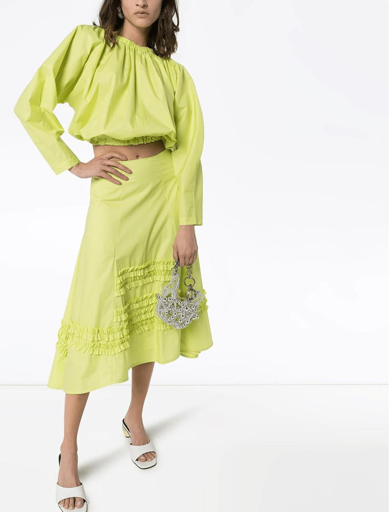 Tips y estilos ideales para vestir a la moda cada día en el Teletrabajo/MOLLY GODDARD top corto con abertura en la espalda y cordones