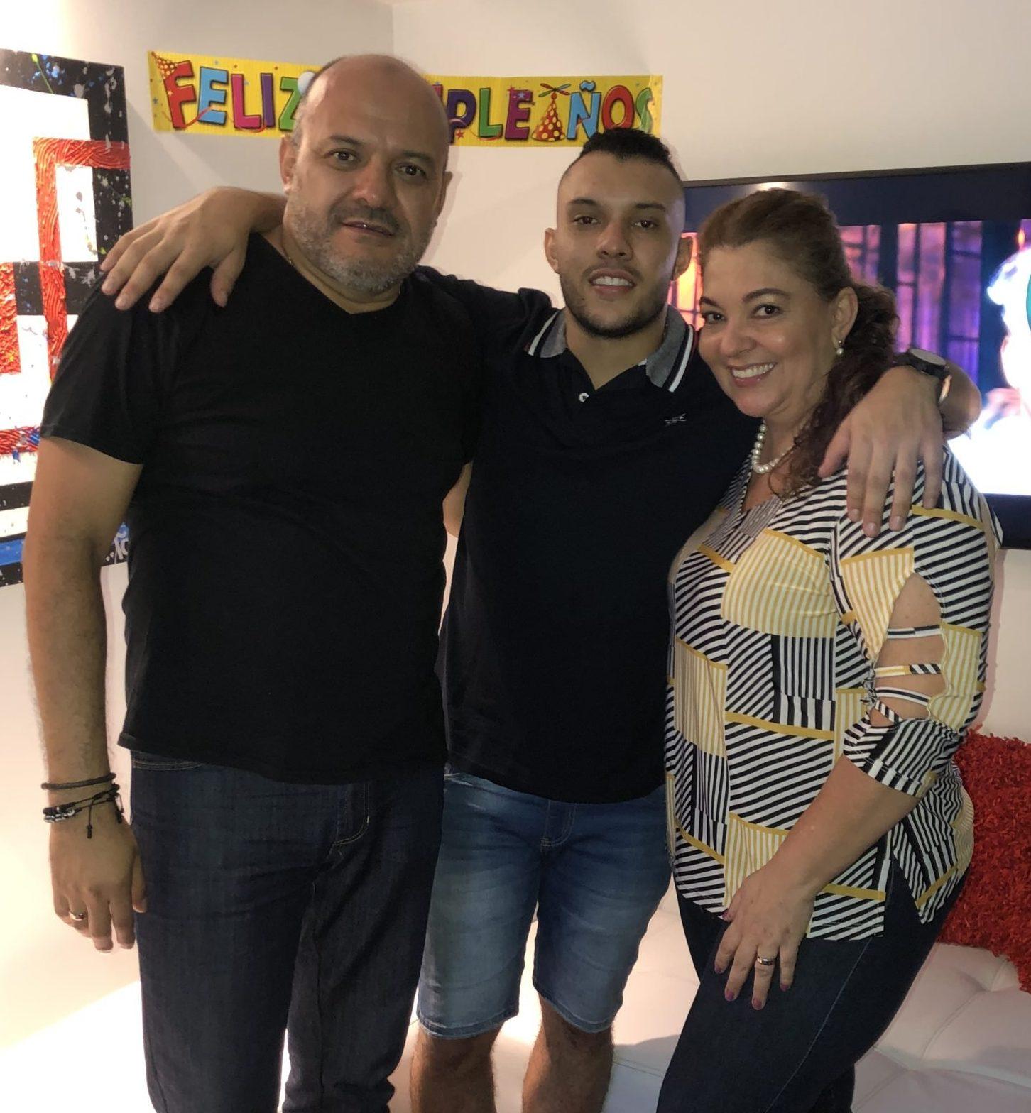 Celebraron sus cumpleaños en casa / Juan José Cadavid