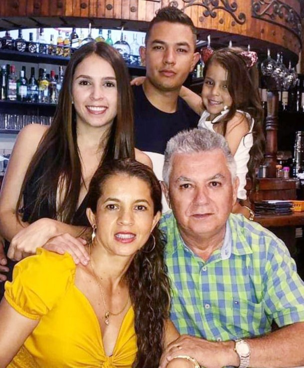 Celebraron sus cumpleaños / Gabriel Antonio Escobar Herrera