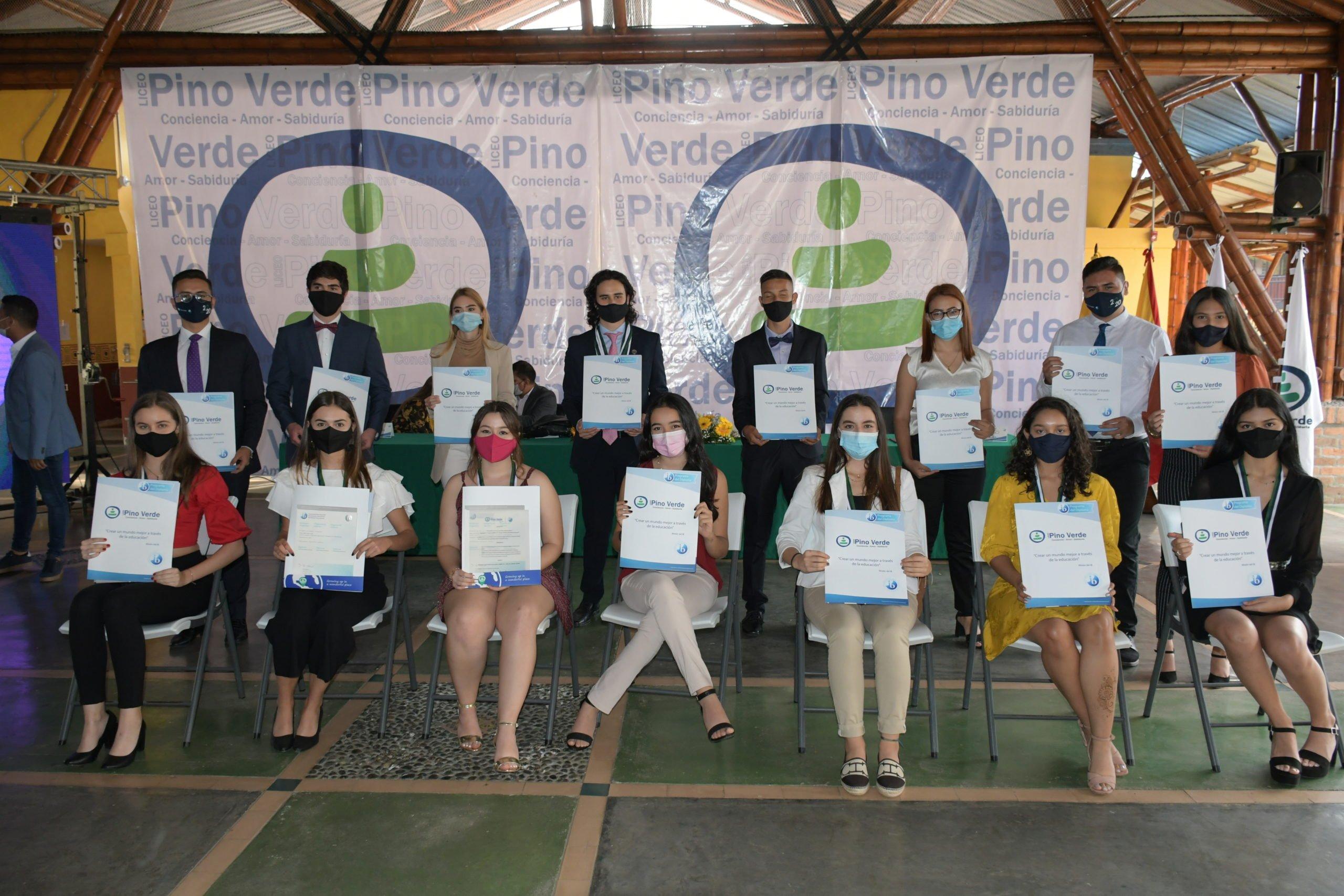 Ceremonia de grados Bachilleres internacionales