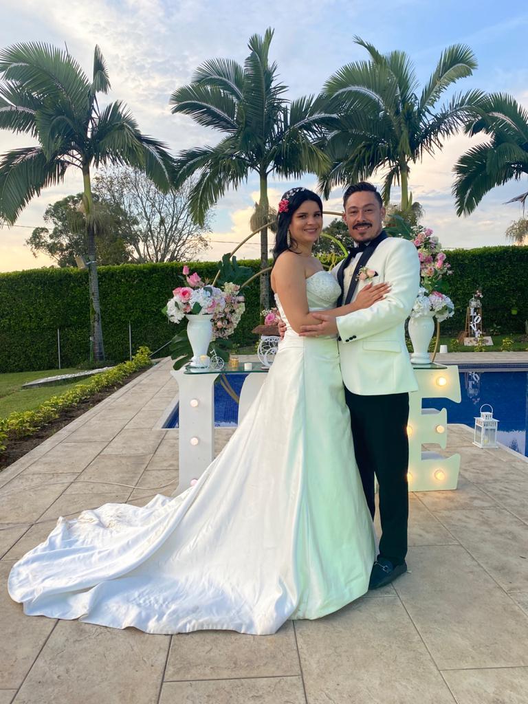 Unieron sus vidas Nathassa Álvarez Duque y Valentín Giraldo García