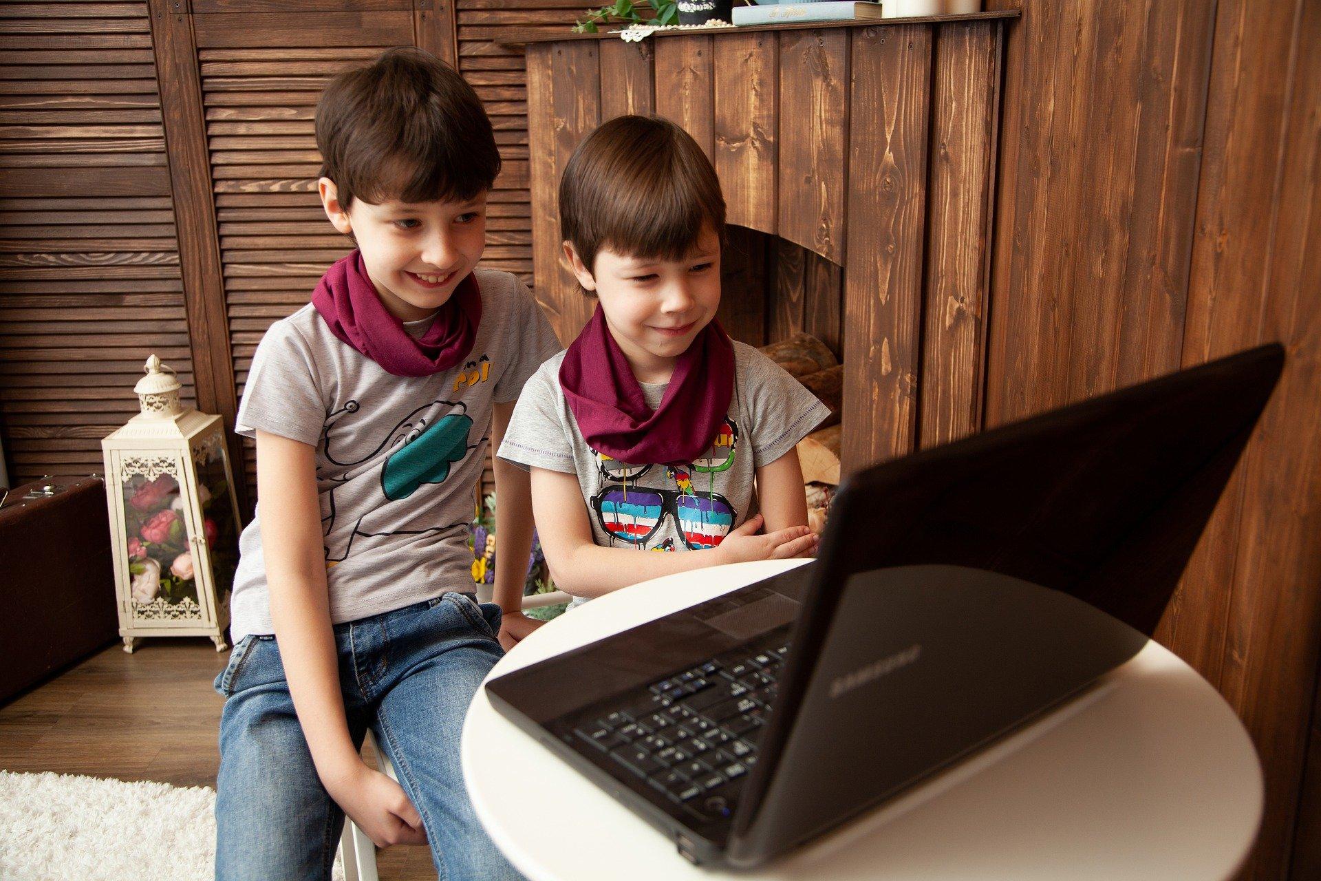 Viguías: primer Centro de Internet Seguro para proteger a niñas, niños y adolescentes en Internet